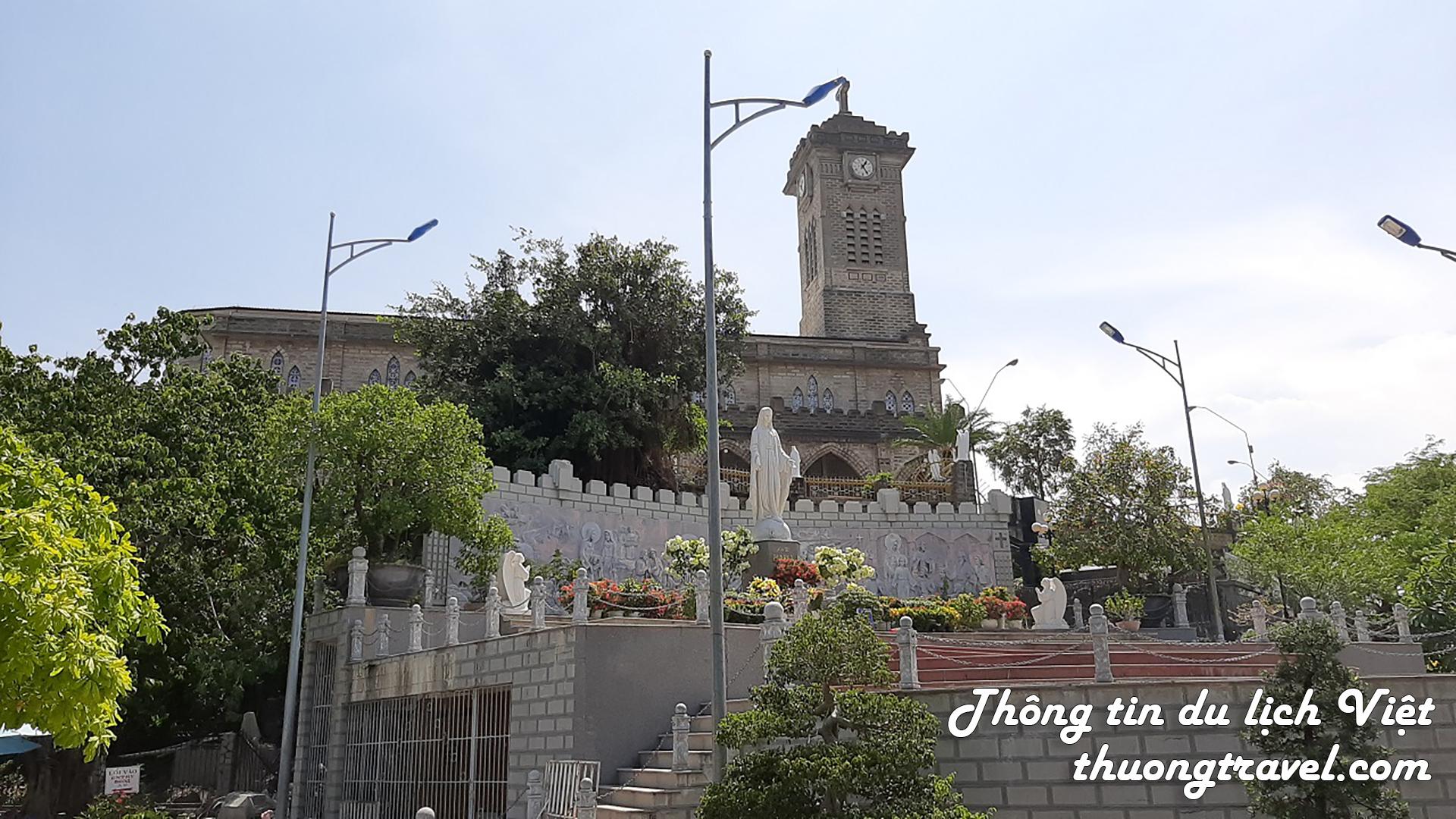 Nhà thờ Đá Nha Trang có gì hấp dẫn?