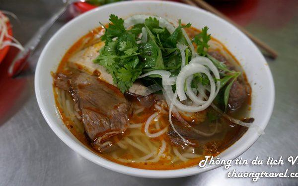 Du lịch Đà Lạt nhất định ăn quán Bún Công ngon nức tiếng