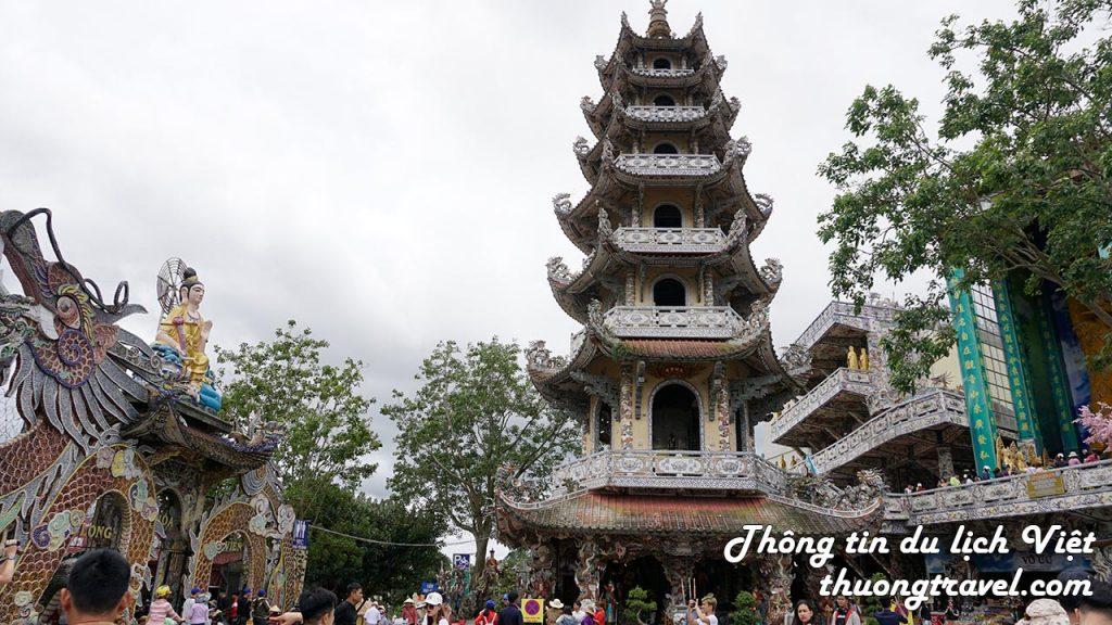 Tháp chuông 7 tầng tại chùa Linh Phước Đà Lạt
